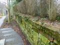 Die Grundstücksmauer aus Trockenmauerwerk war technisch intakt. Benachbarte Bauarbeiten verursachten keine Schäden.