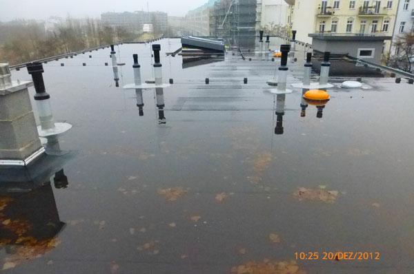 Baugutachten Berlin - Flachdach falsch konstruiert